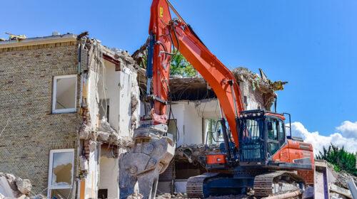 Legambiente: in Campania abbattute manco il 20% delle case raggiunte da ordinanze di demolizione