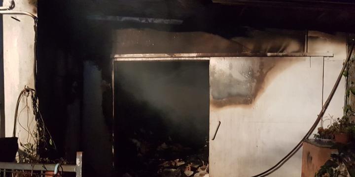 A fuoco capannone a Battipaglia, straniero salvato