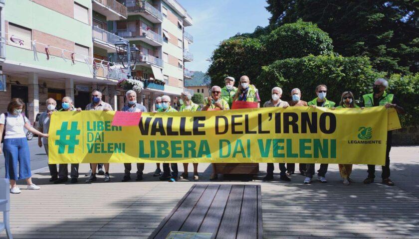 Baronissi, flash mob di Legambiente contro l'inquinamento