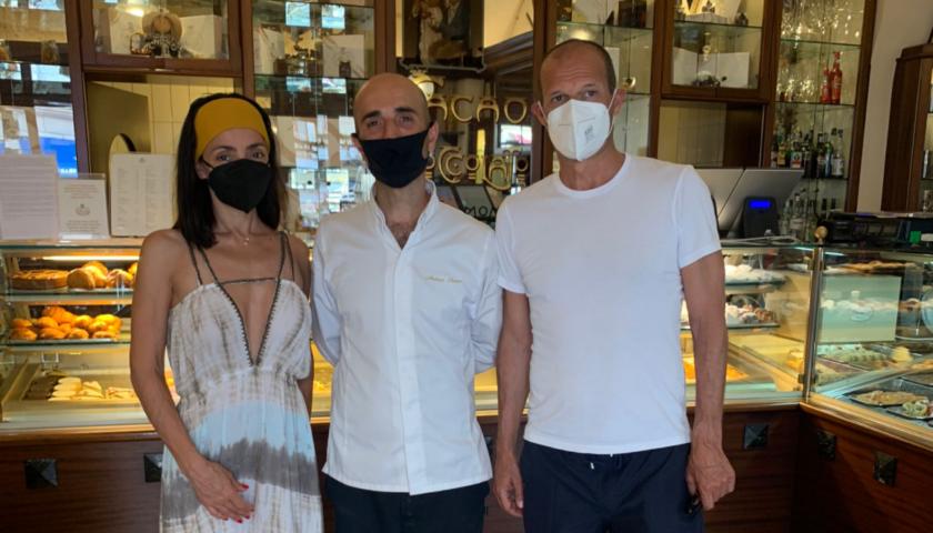 Max Allegri e Ambra Angiolini fanno tappa ad Amalfi