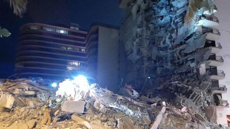 Crolla palazzo di 12 piani a Miami, si temono molte vittime