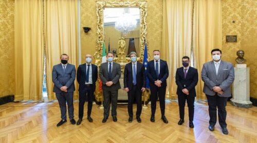 Il sindaco di Pellezzano omaggiato dal presidente della Camera Roberto Fico