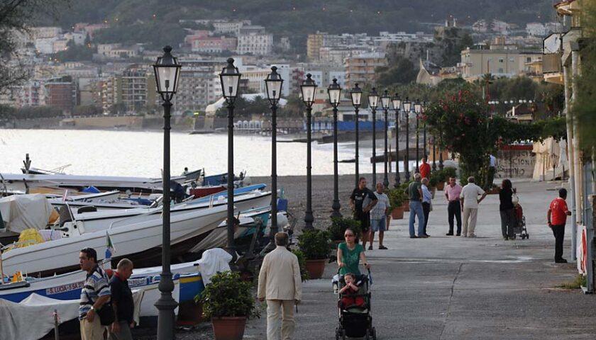 Salerno, dal Comune una targa per l'uomo di mare Alfonso Longo al porticciolo di Pastena