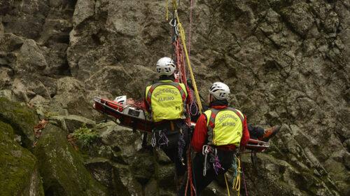 Escursionista cade sul sentiero in Costiera amalfitana, salvata turista milanese