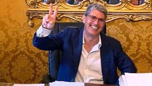 """Cava de' Tirreni, il sindaco Servalli: """"Avanti con l'impegno di Piero De Luca"""""""