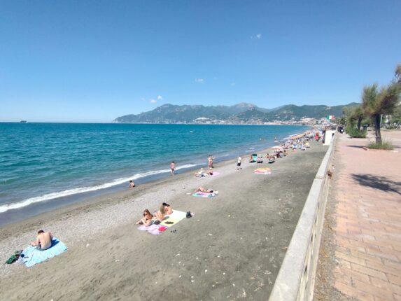 Spiagge, il Codacons al prefetto di Salerno: i lidi rispettino il diritto di andare al mare