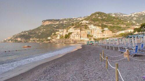 Prenotazione spiagge a Minori, App da lunedì