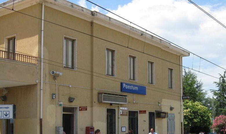 Malore in treno, muore nella stazione di Capaccio/Paestum