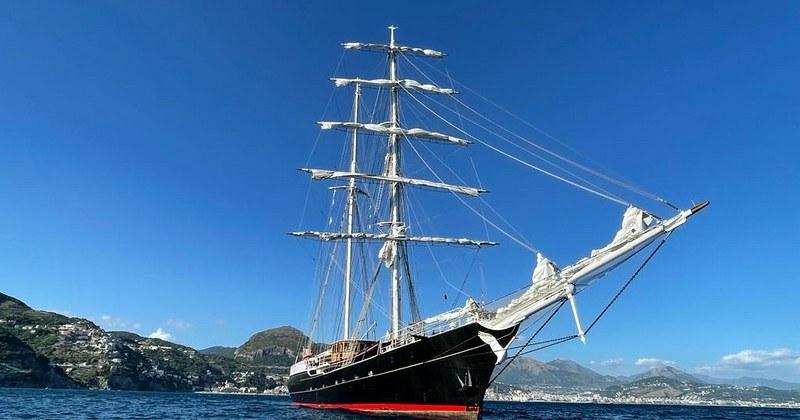 """A Salerno la """"Nave Italia"""", il Brigantino più grande del mondo"""
