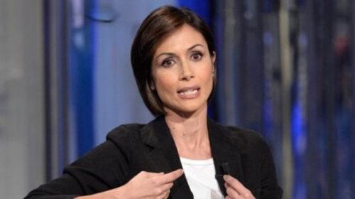 """Mara Carfagna: """"Ragazzi, scegliete la libertà: vaccinatevi"""""""