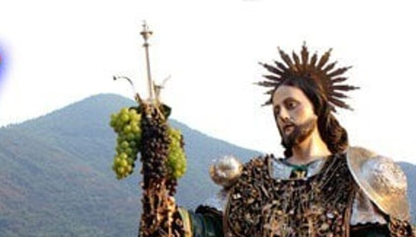 Furto in banca a Salerno, rubato l'oro di San Rocco. Appello del sindaco di Siano