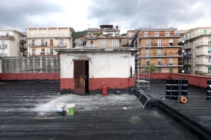 All'IIS Trani di Salerno i lavori di impermeabilizzazione