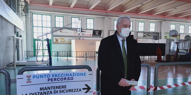 """""""Poche adesioni"""", a Baronissi chiude il centro vaccinale"""