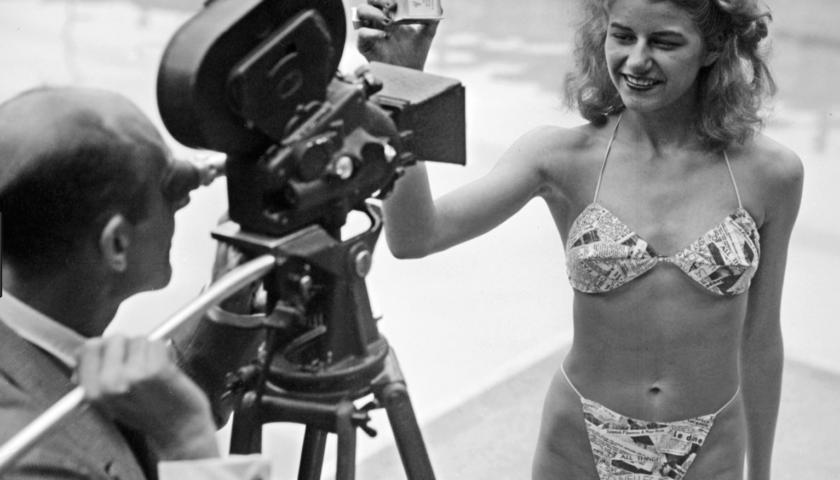 Il 5 luglio 1946 a Parigi debutta il costume da bagno due pezzi: il bikini