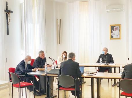 La Chiesa della Campania invita i fedeli a vaccinarsi