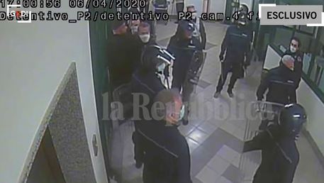 Pestaggi in carcere a Santa Maria Capua Vetere, ora si indaga sulla diffusione dei video