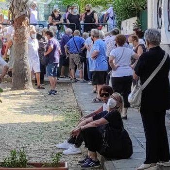 """Ambientalisti e tutela dei consumatori: """"A distanza di mesi ancora disorganizzazione per i più deboli negli hub vaccinali a Salerno"""""""