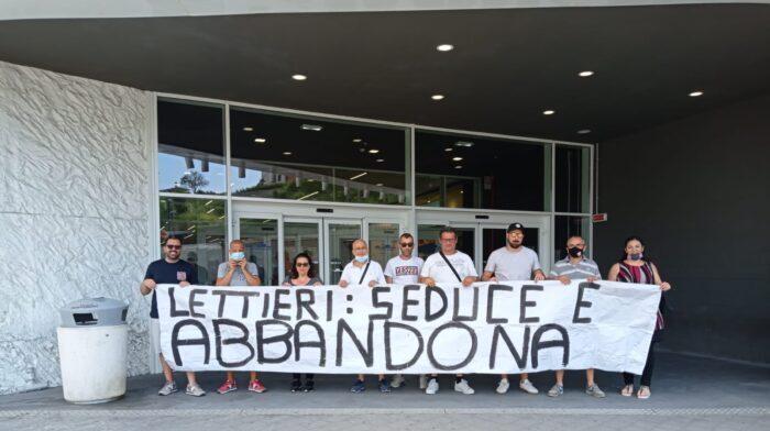 EX lavoratori de la Fabbrica incontrano il sindaco di Salerno, Napoli garantisce sostegno