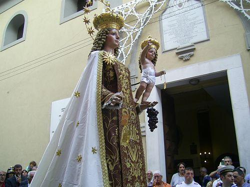 Salerno, Madonna del Carmine senza processione: alle 11 Santa Messa con l'Arcivescovo