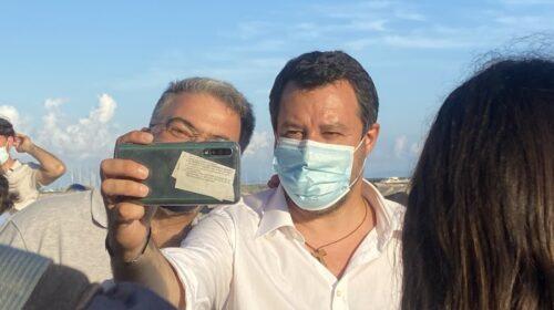 """Salvini da Salerno risponde a De Luca: """"Mi farò il vaccino e gli manderò la dedica"""""""