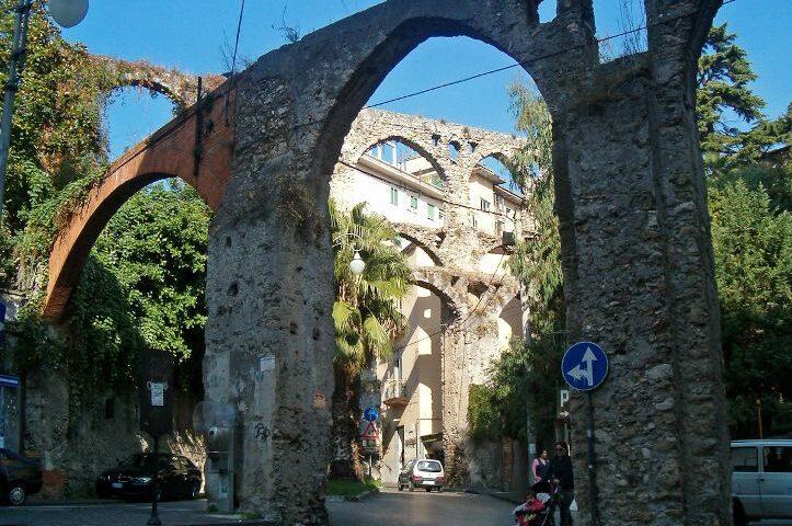 Restauro Ponte dei Diavoli a Salerno: l'influencer Mafalda De Simone partecipa con l'Art Bonus