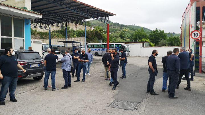 Castel San Giorgio, sciopero per le officine Buonocore