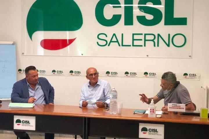 """Protocollo d'intesa per la logistica, firmato l'accordo tra Cisl, Salerno Trasporti ed """"Emergenza legalità"""". «Gli obiettivi sono formazione e sicurezza sul lavoro»"""