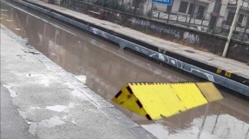 Maltempo, allagamenti alla stazione di Scafati: stop alle circolazione dei treni della Circumvesuviana