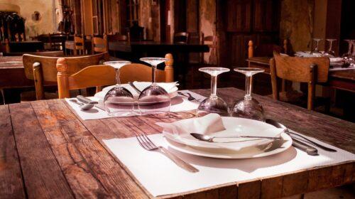 Nomi falsi, cenano e scappano dal ristorante di Palinuro senza pagare