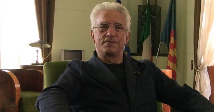 """Attività commerciali in piazza Libertà, 5 posti da assegnare. Il sindaco di Salerno: """"Ossigeno per le attività commerciali"""""""