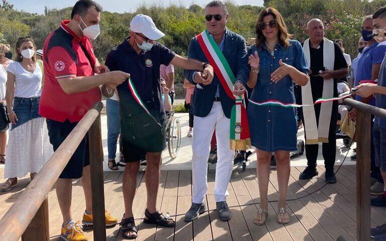 """Capaccio Paestum, inaugurata sul lungomare la """"Spiaggia senza barriere"""""""