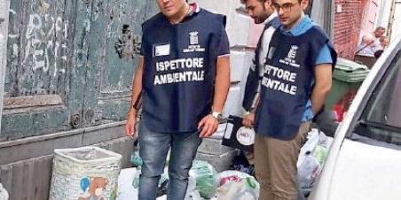 Cava de' Tirreni, rifiuti della movida: multati 7 ristoratori