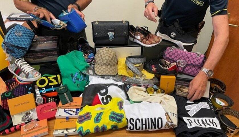 A Pagani maxi sequestro di vestiti contraffatti