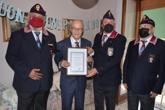 Polizia di Salerno festeggia 100 anni di poliziotto