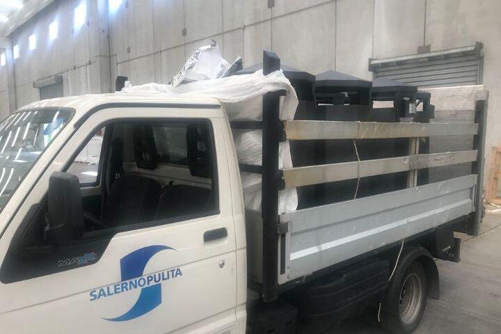 Posizionati in centro a Salerno i primi 10 cestini di rifiuti