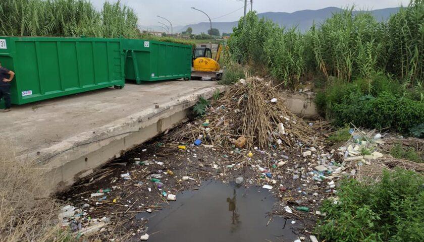 Fiume Sarno, rimossi i rifiuti dall'Alveo Comune Nocerino