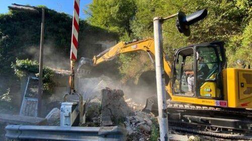 Baronissi, demolizione del casello ferroviario di corso Garibaldi