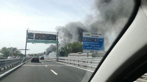 Incendio discarica a Scafati, si indaga