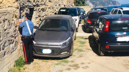 Parcheggio abusivo a Castiglione di Ravello, arrestato 70enne
