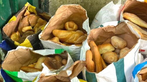 I panificatori Salerno consegnano 30 sacchi di pane alla Lega per il cane