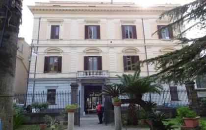 Sarno, vandali a Villa Lanzara: danni ai servizi igienici e al Caffè Letterario
