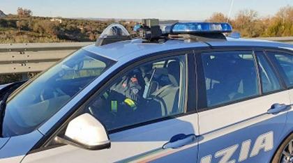 Speronano auto sulla Napoli/Salerno per commettere una rapima: 3 banditi arrestati