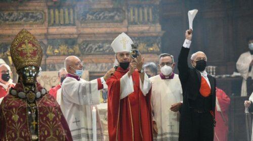 San Gennaro, si ripete il miracolo del sangue