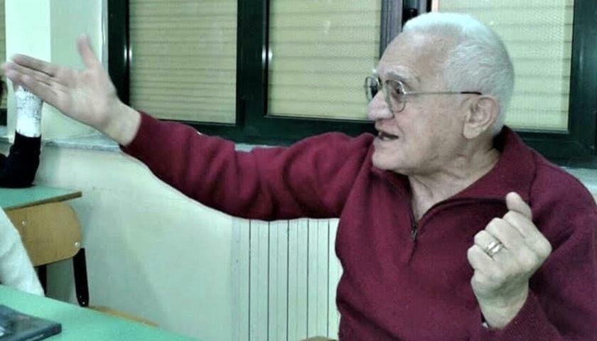 Lutto a Salerno, muore Carlo Adinolfi: per decenni titolare della tabaccheria sotto i portici del Comune