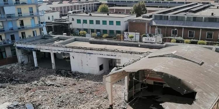 Demolizione a Bellizzi dell'ex Fiat Saba, in via Roma sorgerà un centro commerciale