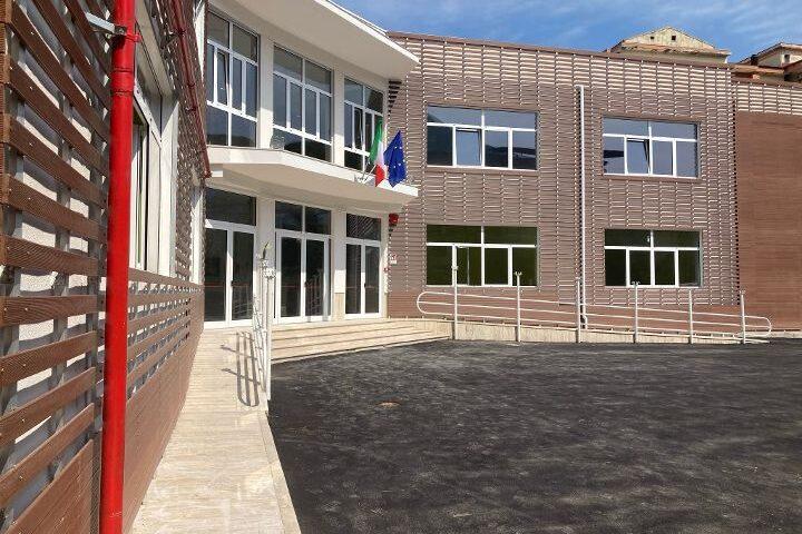 Nocera Superiore, il sindaco Cuofano consegna alla comunità la nuova scuola Luigi Settembrini