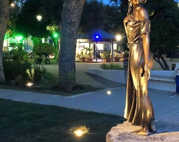Sapri, il sindaco difende l'installazione della statua della Spigolatrice