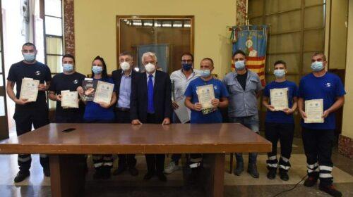 Premiati i lavoratori di Salerno Pulita. Il sindaco: un dovere ringraziarli