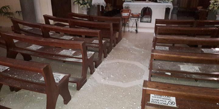 Fulmine si abbatte sul campanile Chiesa, paura e danni a Giffoni Valle Piana