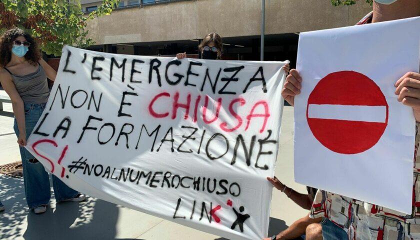 Numero chiuso a Medicina, protesta anche al Campus di Fisciano